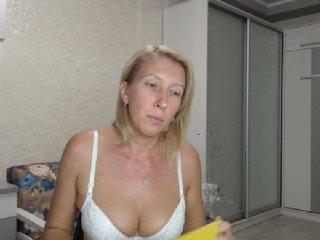 Lelena13 bongacams
